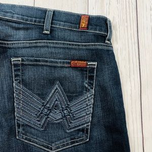 """🇺🇸 7 FAM  """"A Pocket"""" Relaxed Jeans Size 38"""